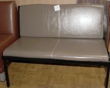диван для посетителей